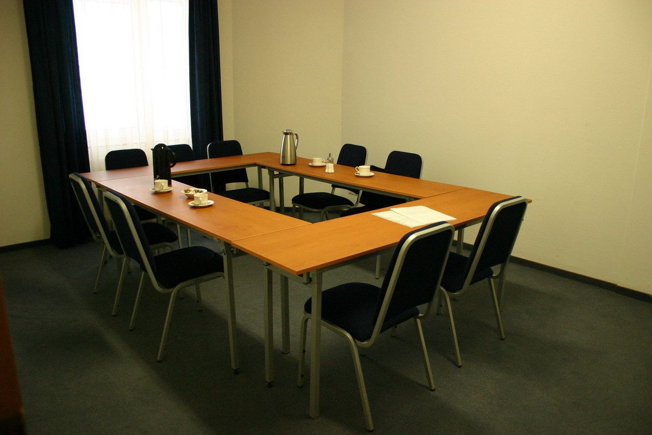 conference room 1226743 1279x852